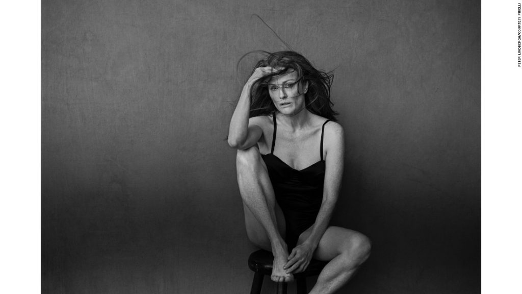 161129120253-pirelli-2017-julianne-moore-super-169
