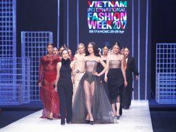Video: 21SIX by Sandy Đoàn – Tuần lễ Thời trang Quốc tế Việt Nam 2017