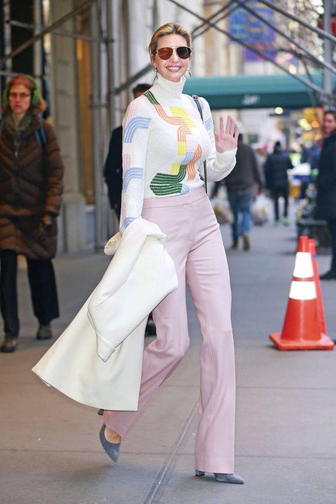 Ivanka Trump khéo léo kết hợp nguyên bộ trang phục với các tông màu pastel