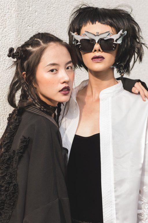 Cùng với cô bạn Thanh Vy, Hà Kino luôn tạo được sự thu hút mỗi khi xuất hiện tại bất kì sự kiện thời trang nào.