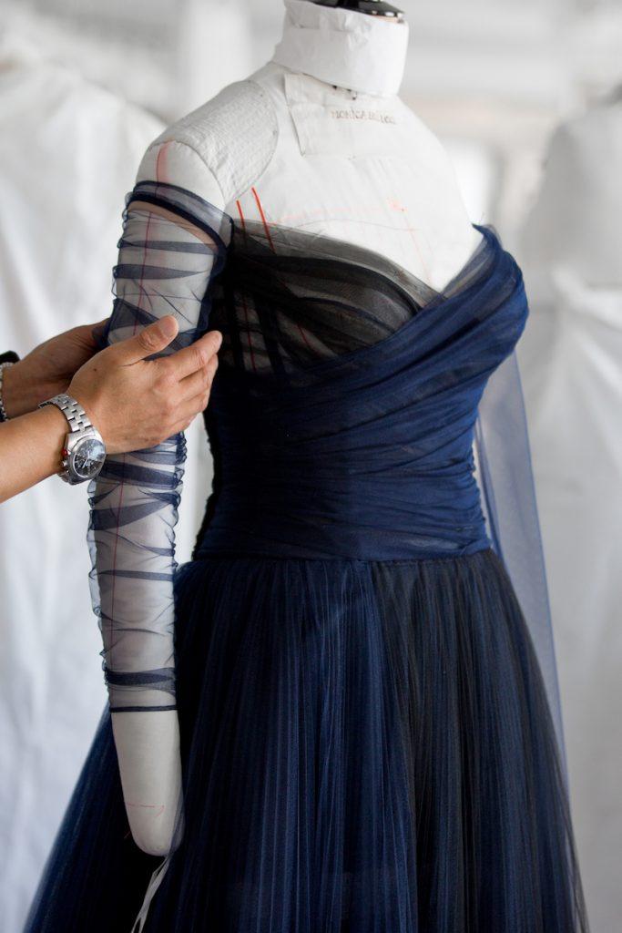 Cận cảnh chiếc đầm Monica Belluci đã mặc tại Cannes 2017