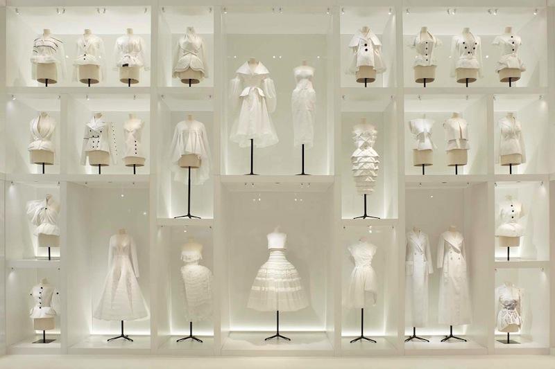 170706-dior-70th-anniversary-exhibition-17
