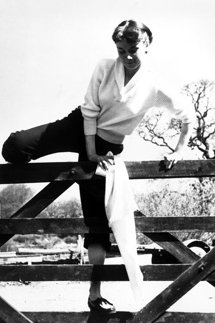 Audrey Hepburn ở Thuỵ Sỹ năm 1951.