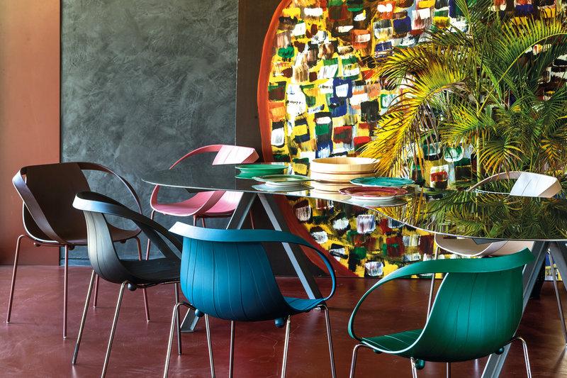 Phong cách kiến tạo không gian sống đương đại là dấu ấn đặc trưng của Moroso