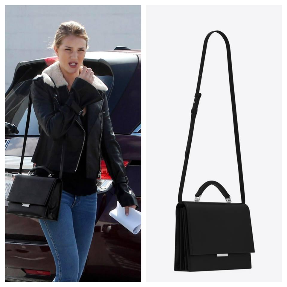 Cựu thiên thần Victoria's Secret ROSIE HUNTINGTON-WHITELEY dạo phố với tú xách Saint Laurent Babylone. Đây cũng là mẫu túi được Angeline Jolie yêu thích sử dụng gần đây bởi sự dơn giản mà thanh lịch của dáng túi