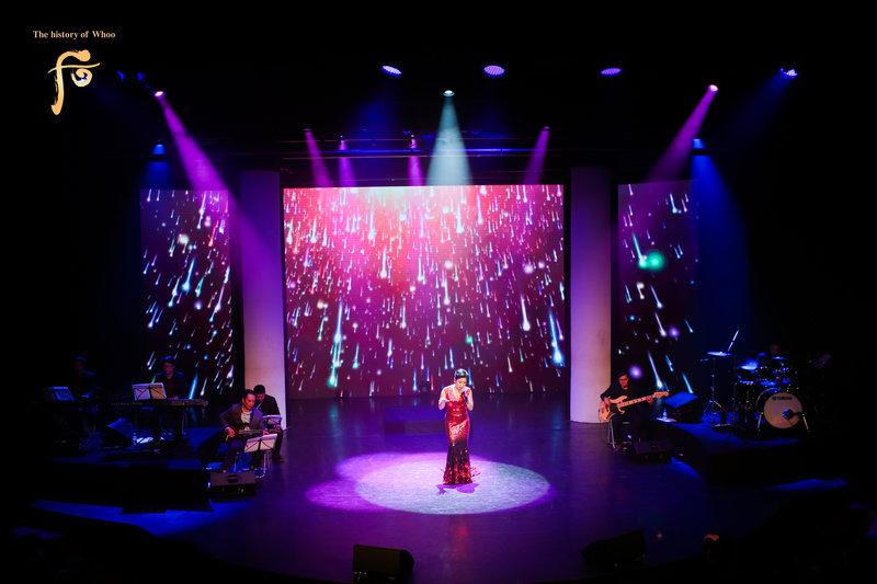 Sân khấu sang trọng, tinh tế và màn trình diễn đẳng cấp của Ca sĩ Mỹ Linh