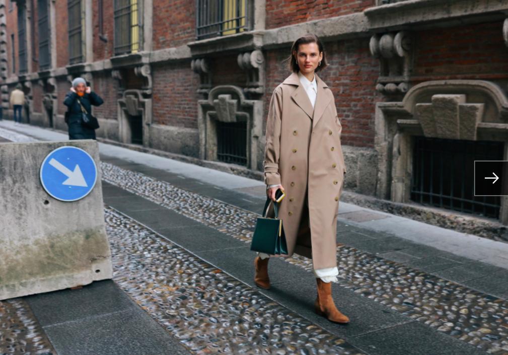 Giedre Dukauskaite trong áo khoác Totême và túi xách Céline