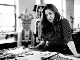 24 giờ với nhà thiết kế thời trang Mary Katrantzou