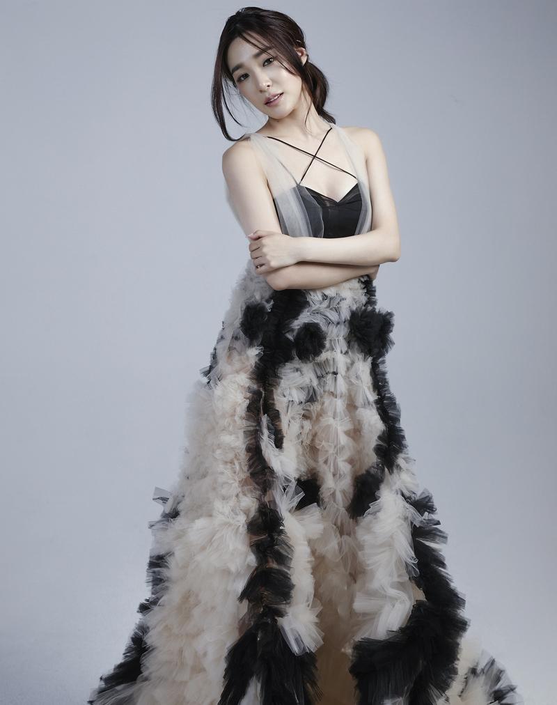 Tiffany Young với đầm, Lisa N. Hoang