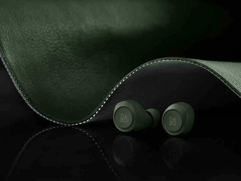 Beoplay E8 Racing Green-02
