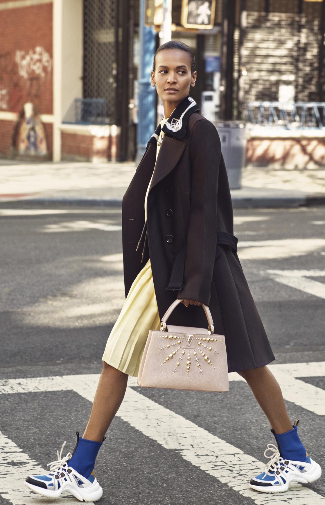 Khám phá vẻ đẹp sang trọng và tinh tế của Louis Vuitton Capucines hình ảnh 1