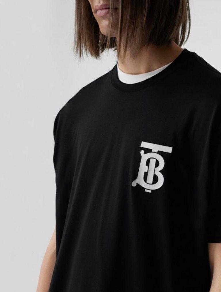Chiếc áo thun Burberry-09