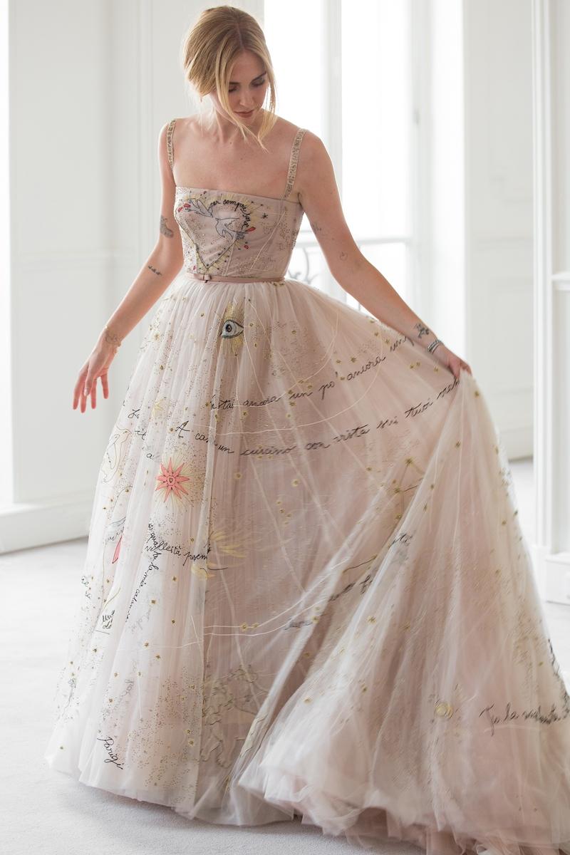 Lịch sử Haute Couture: Các nghệ nhân nhà Dior phải mất hơn 400 mét vải và 1.600 giờ để hoàn thành những chiếc váy cưới xa hoa này cho Chiarra Ferragni