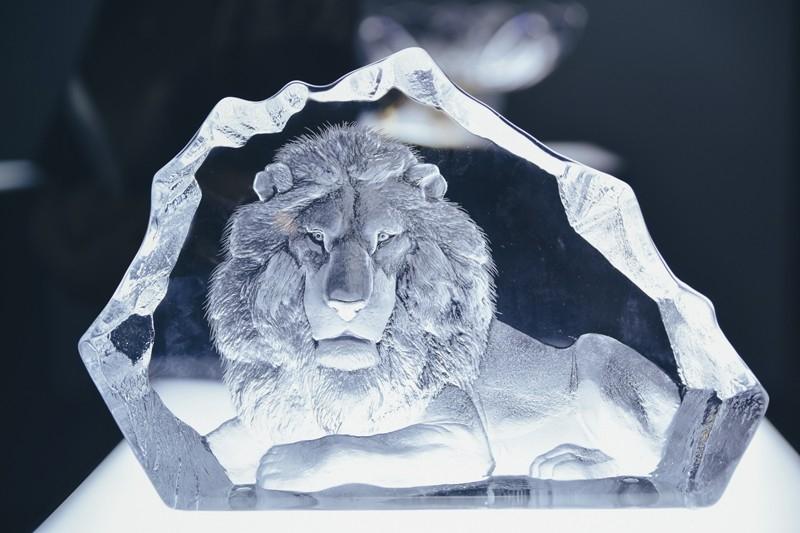 Triển lãm Modern Life Exhibition - Sư tử pha lê