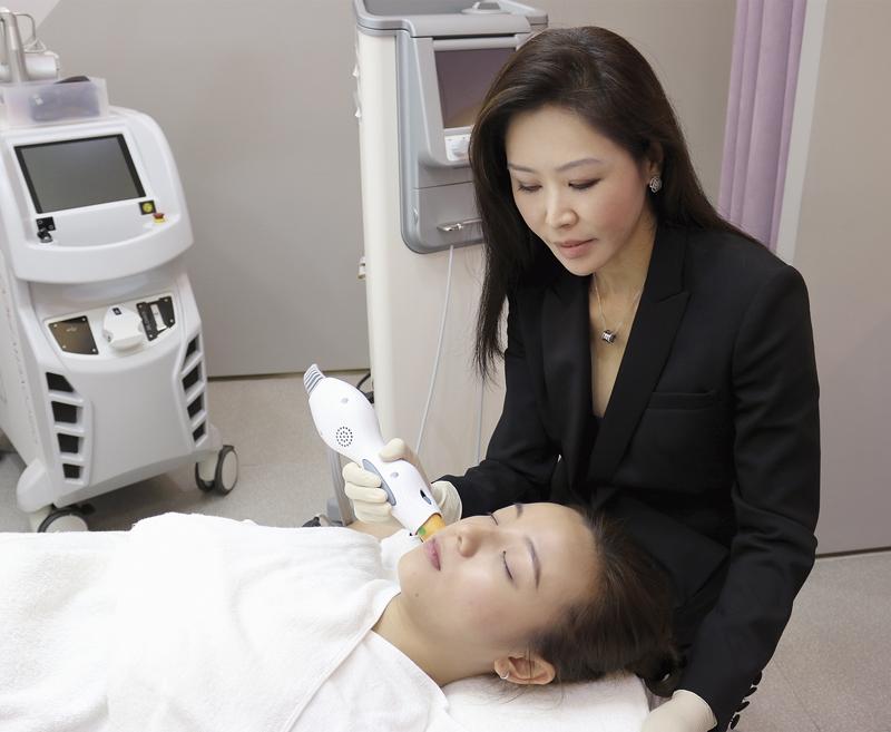 bác sỹ Low Chai Ling