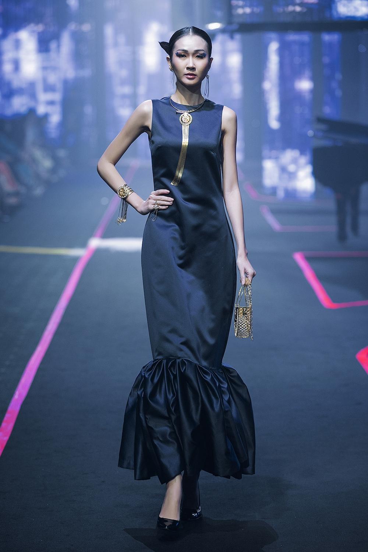 thanh-hang-va-hoang-yen-fashion-show-lon-nhat-viet-nam-hinh-anh-5