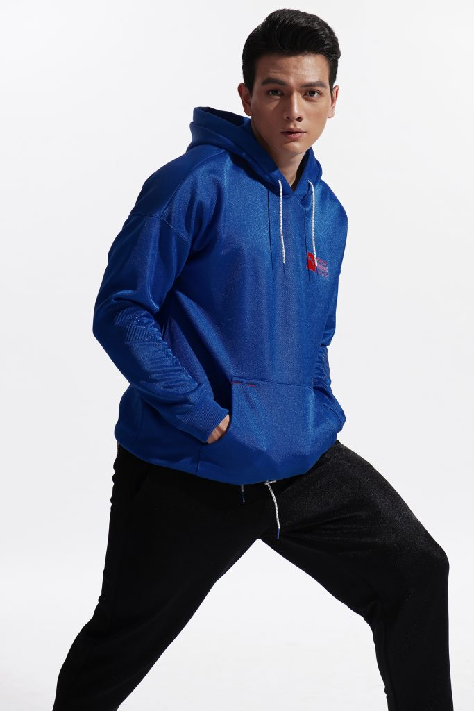 Người mẫu Lê Xuân Tiền khoe hình thể sáu múi cực chuẩn 8