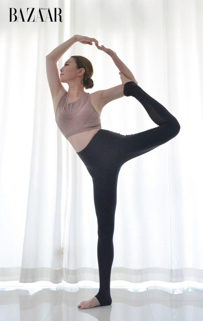 6 tư thế tập yoga tại nhà đơn giản cùng chuyên gia Yoga Diana Watson 7