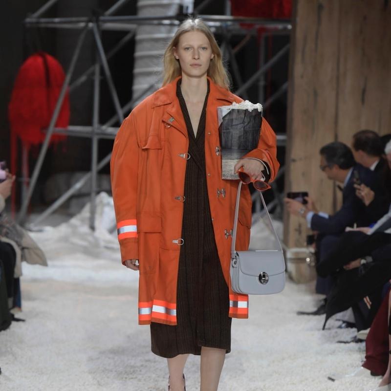 Thương hiệu Calvin Klein tiêu tốn hơn 120 triệu Dollar để tái cấu trúc công ty