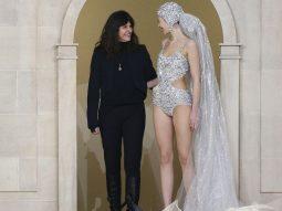 Ai là người kế nhiệm nhà thiết kế Karl Lagerfeld lèo lái thương hiệu Chanel?