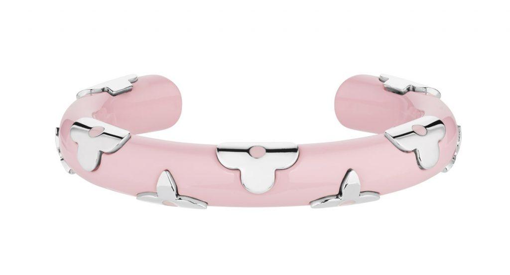 cách phối trang phục màu hồng Vòng tay Louis Vuitton