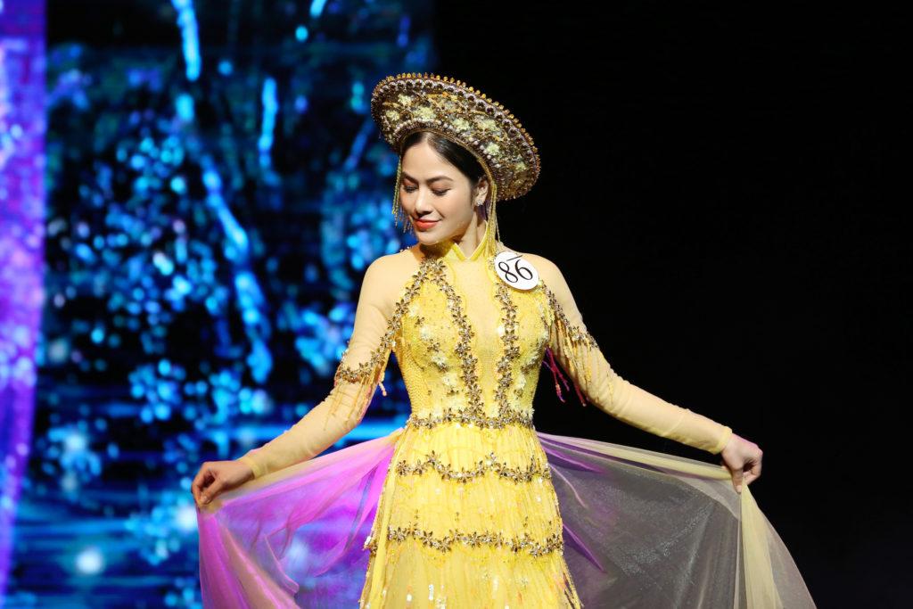 Màn trình diễn Đóa sen Việt của Tuyết Nga trong phần thi tài năng