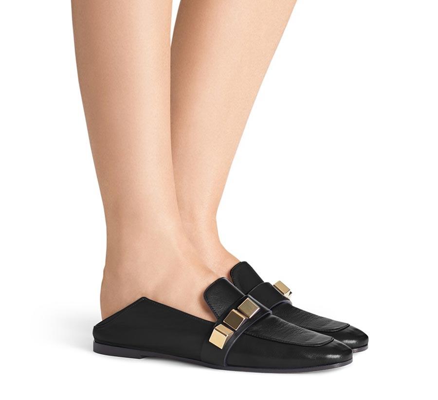 quà tặng 8/3: giày da Pyramid Wylie từ Stuart Weitzman