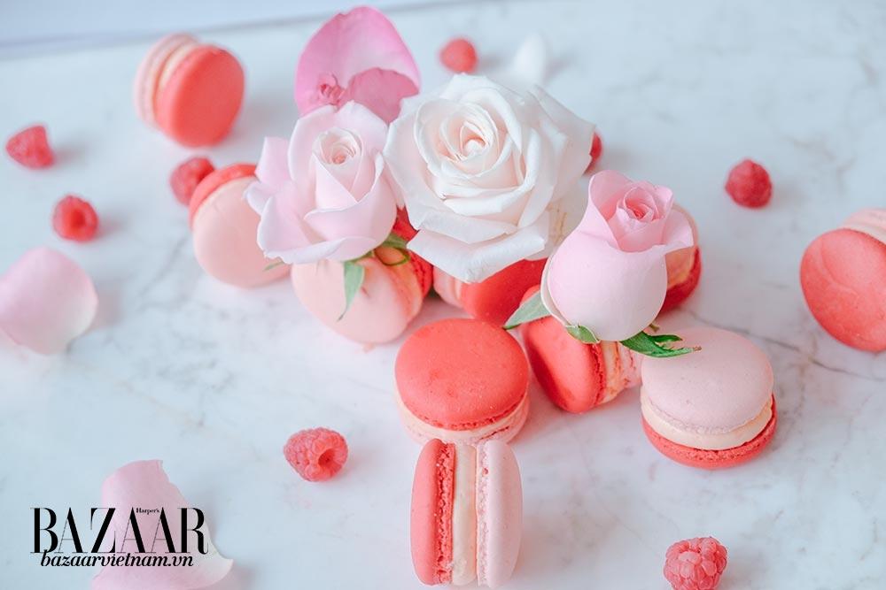 Tiệc trà chiều tại Park Hyatt sẽ bao gồm bánh macaron hoa hồng tinh tế