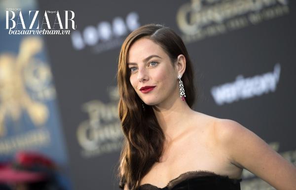 """""""Bông hồng Brazil của Hollywood"""" Kaya Scodelario là gương mặt đại diện cho bộ sưu tập Clash De Cartier"""