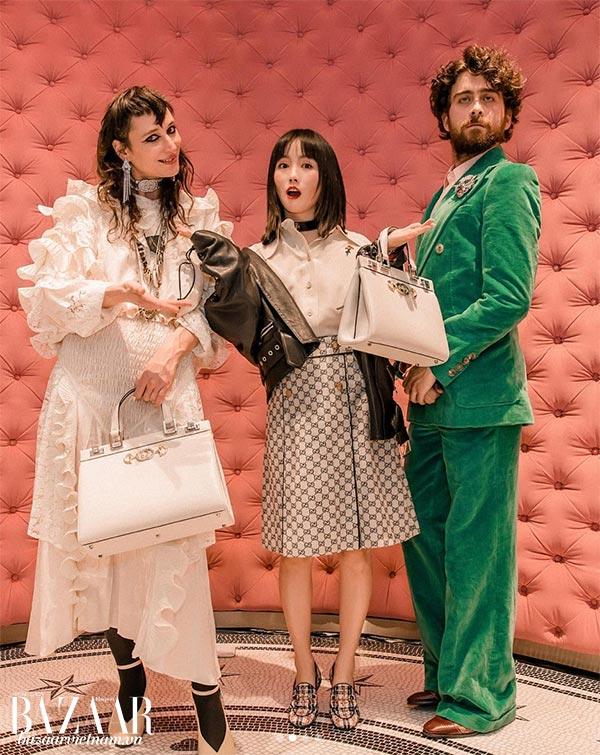 Nàng thơ Zumi Rosow cùng fashionista Nikki Min tại tiệc ra mắt túi Gucci Zumi tại Thành Đô.