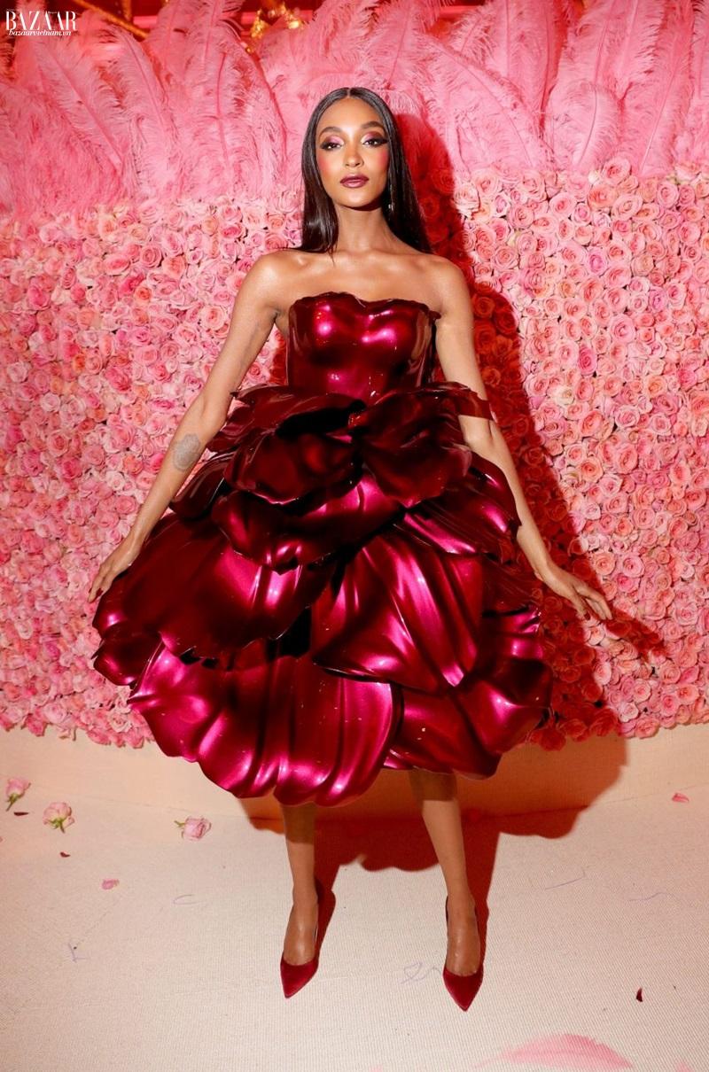 Kỹ thuật in 3D. Chiếc đầm hoa hồng đầy mê hoặc của nhà thiết kế Zac Posen.