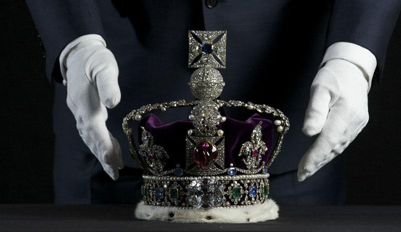 Vương miện hoàng gia Anh với viên spinel to nhất thế giới, Black Prince Ruby