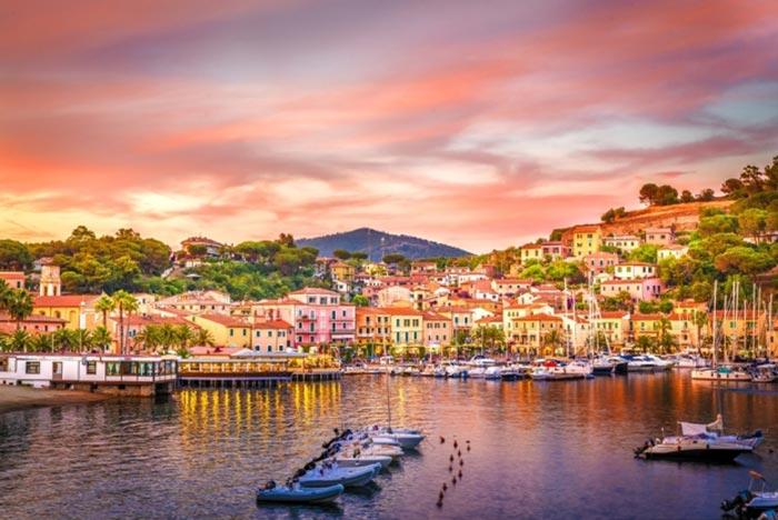 Hoàng hôn rực rỡ trên hải đảo Elba