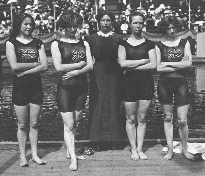 Lịch sử bikini: Đội tuyển vận động viên bơi lội nữ tại Thế vận hội Olympic 1912