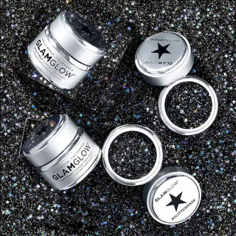 Mỹ phẩm kim tuyến: Mặt nạ dưỡng da #GlitterMask của Glam Glow. Những ngôi sao nhựa là điểm thu hút nhất của mặt nạ ánh nhũ này.