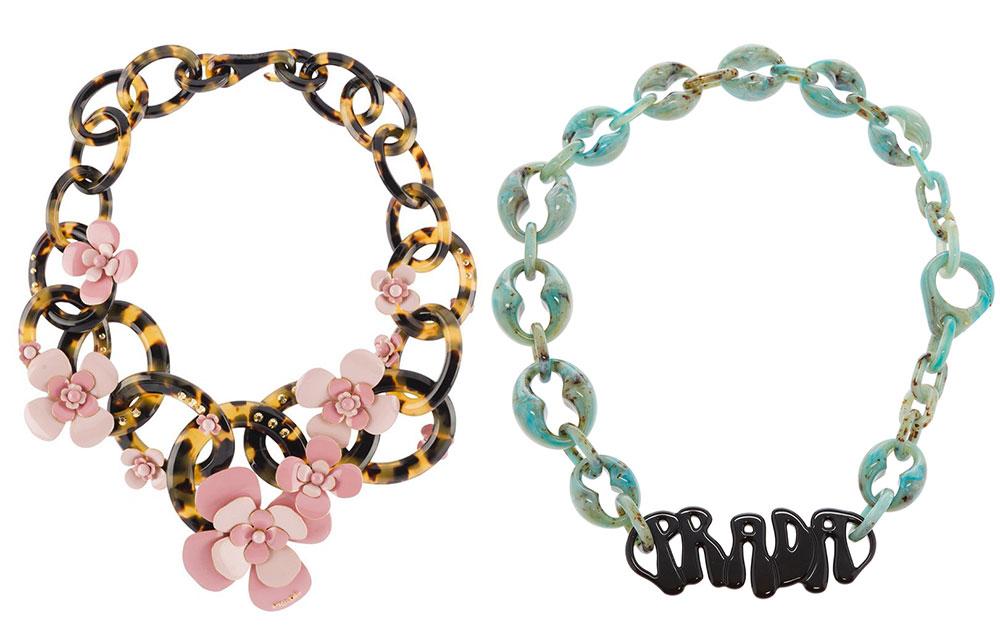 Những mẫu trang sức Prada từ trước đến nay đều đa phần to bản, nghiêng theo hướng maximalist, màu sắc rực rỡ.