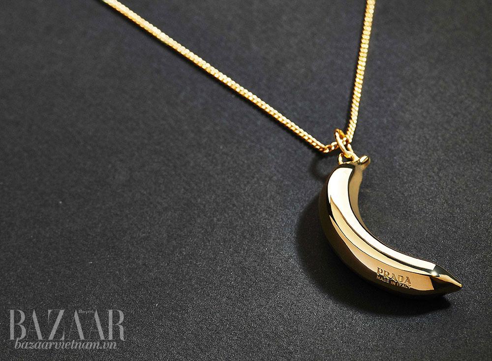 Trái chuối tiếp tục xuất hiện trong các thiết kế Prada.