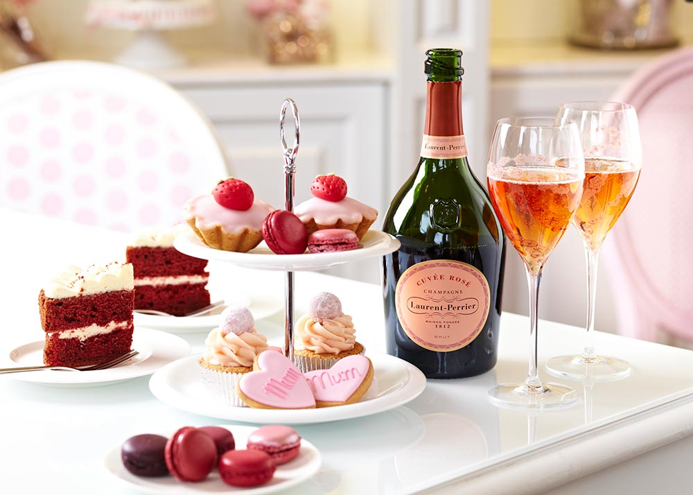 Champagne và tiệc trà là trào lưu ăn tiệc cuối tuần ngày càng được ưa chuộng