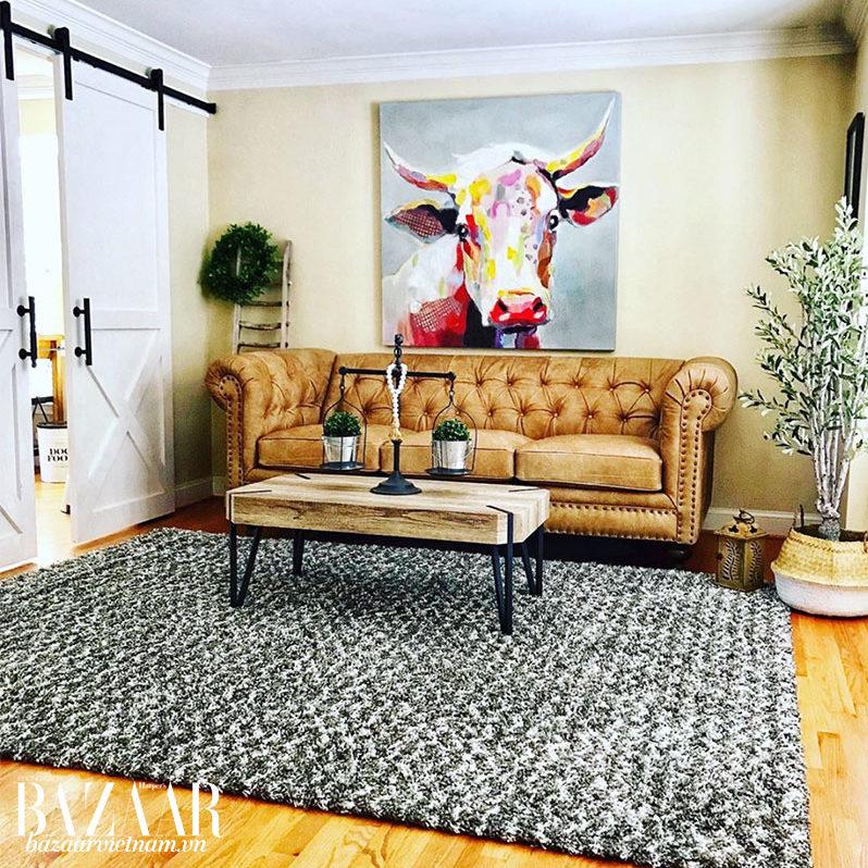 Chiếc thảm tạo độ liền mạch cho ghế sofa và bàn ăn. Ảnh: Instagram @mydiyfauxfarmhouse