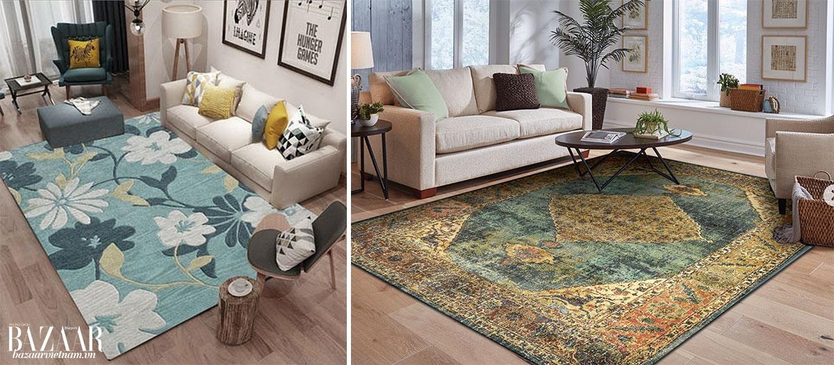 Trái: 2 chân trước sofa đặt lên thảm. Phải: Thảm tách rời khỏi sofa. Cả hai phong cách đều tạo chiều sâu cho phòng khách của bạn.