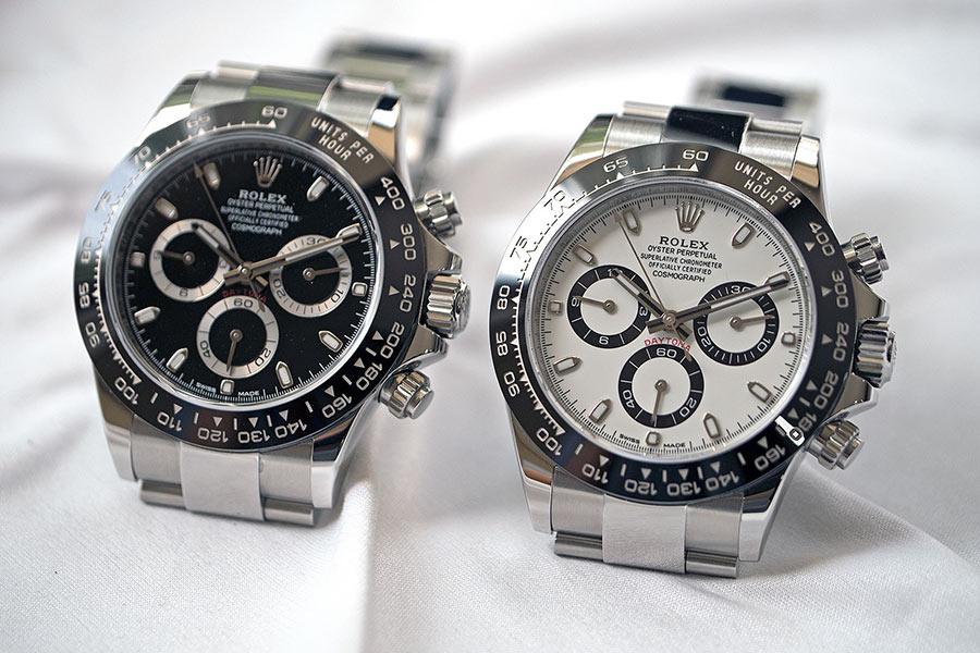 Dòng đồng hồ Rolex Daytona bằng thép và sứ có hai màu đen, trắng, và đều khan hiếm trên thị trường như nhau