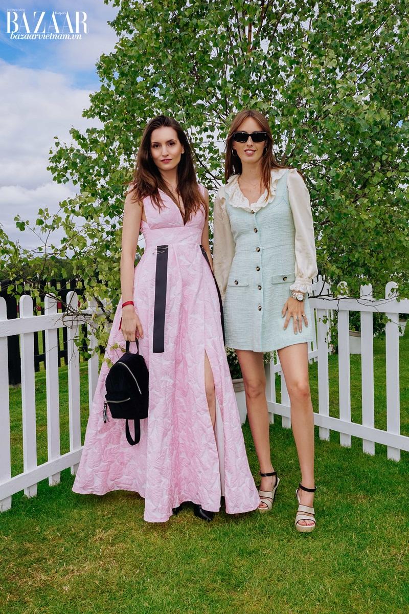 Kelly England Prehn khoe dáng trong chiếc đầm hồng do chính tay cô thiết kế và may.