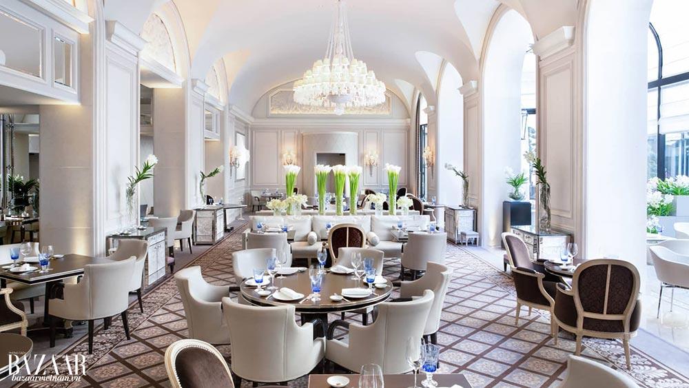 Thiết kế Art Deco thanh lịch khiến những nhà hàng tại đây thành điểm ăn brunch yêu thích của dân Paris