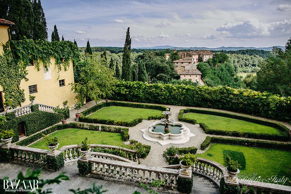 Các kiến trúc cổ từ thời Phục Hưng được lưu giữ sau khi nhà Salvatore Ferragamo tái trùng tu khu vực