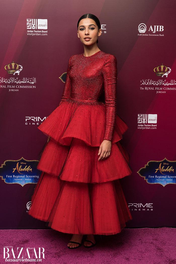 Như công chúa Jasmine ngoài đời với váy Armani Privé tại buổi công chiếu Aladdin tại thành phố Amman, Jordan.
