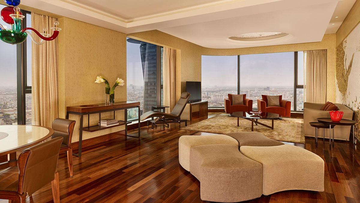 Căn phòng Designer Suite tại khách sạn The Reverie Saigon sử dụng nội thất GIORGETTI