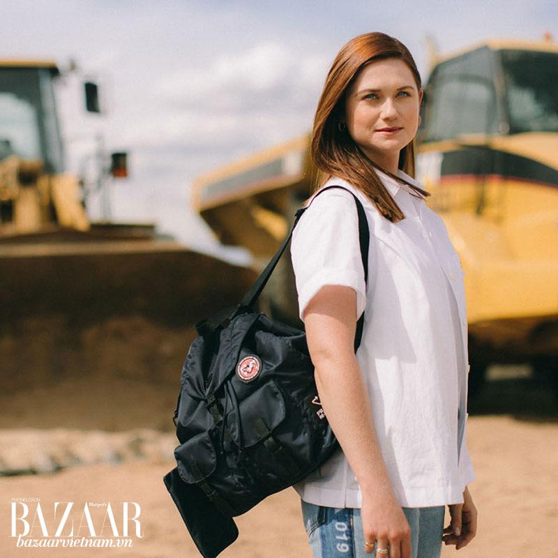 Gương mặt đại diện cho chiến dịch kỳ này của Prada là Bonnie Wright, nữ diễn viên thủ vai Ginny Weasley trong loạt phim Harry Potter