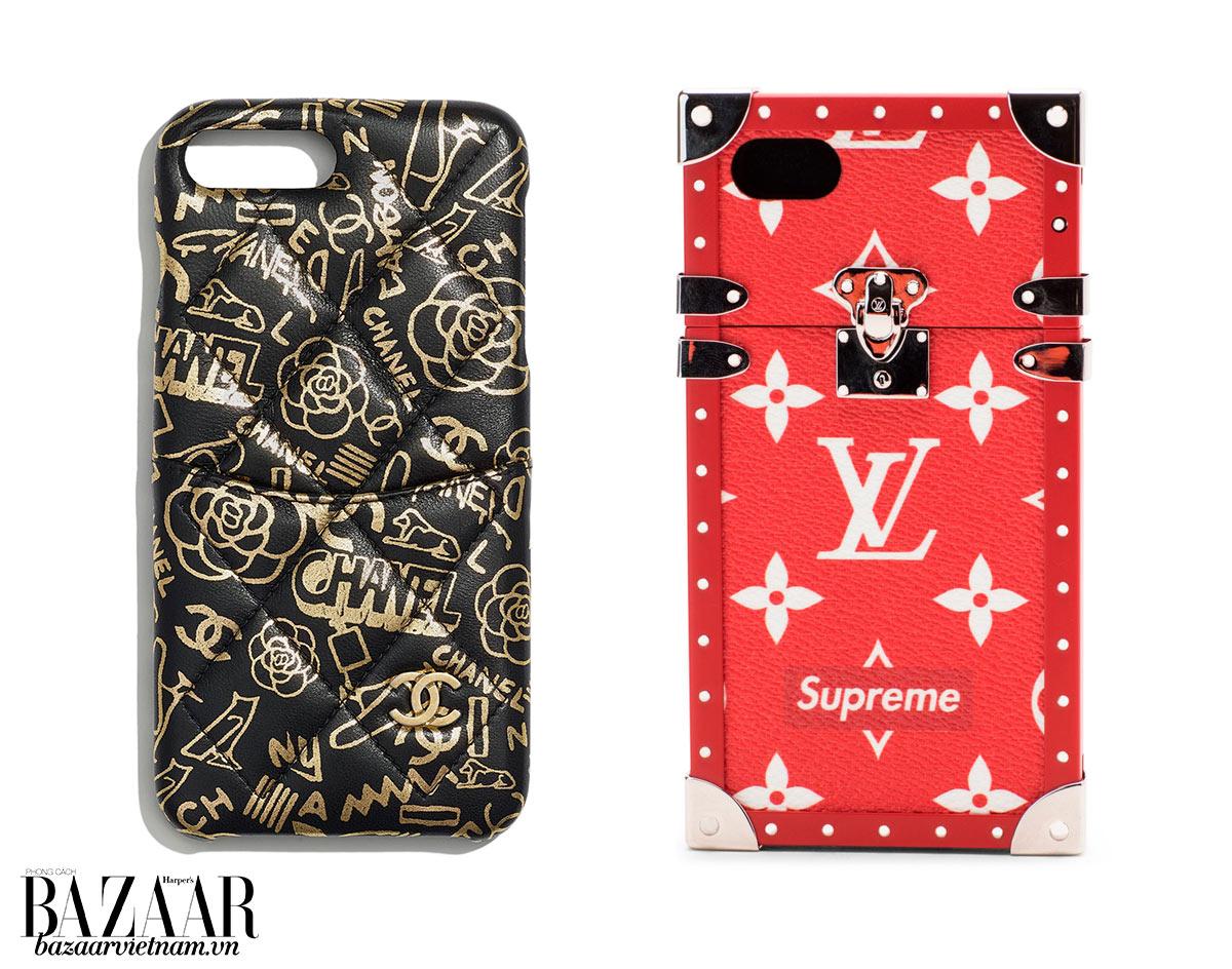 Vỏ điện thoại Chanel bằng da bê dát lá vàng (trái) và vỏ điện thoại Louis Vuitton x Supreme bằng canvas (phải)