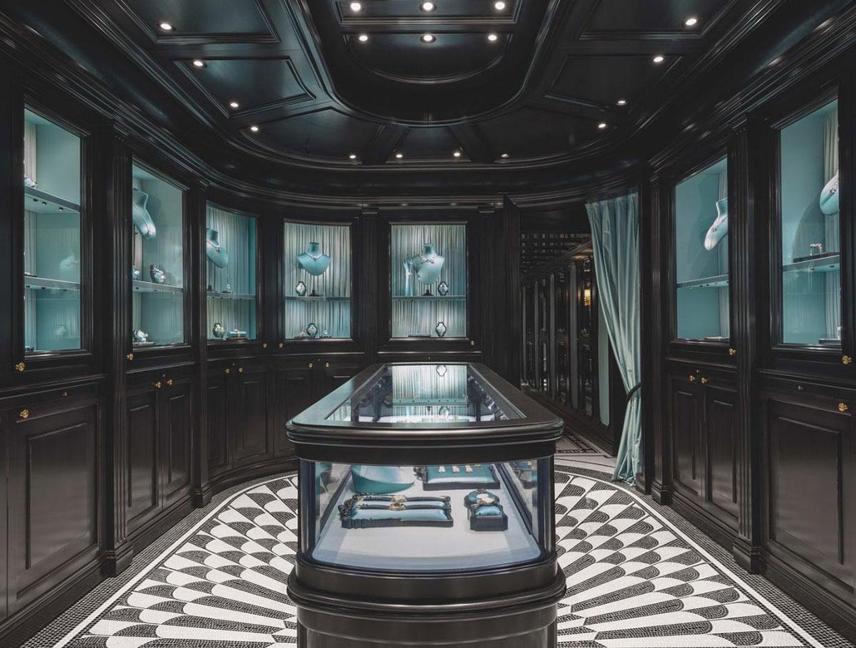Thiết kế nội thất của cửa hàng nữ trang Gucci tại số 16 Place Vendôme, Paris