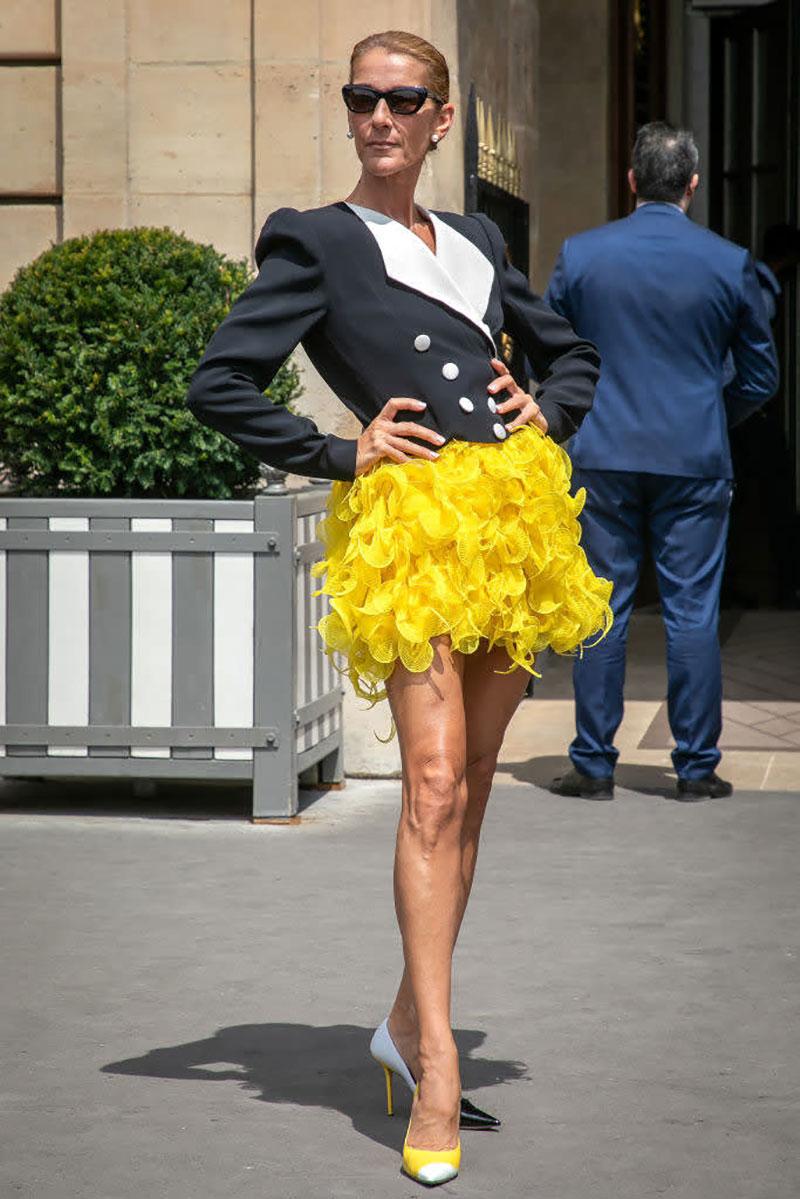 Áo blazer và váy tutu vàng của nhà thiết kế Hà Lan Ronald Van Der Kemp